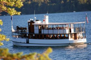 15 Cruise Skaneateles Lake