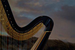 harp-4865391_1920